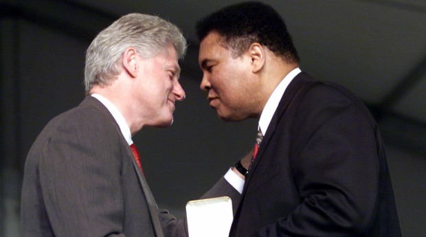 bill_clinton_muhammad_ali_20141229620x345